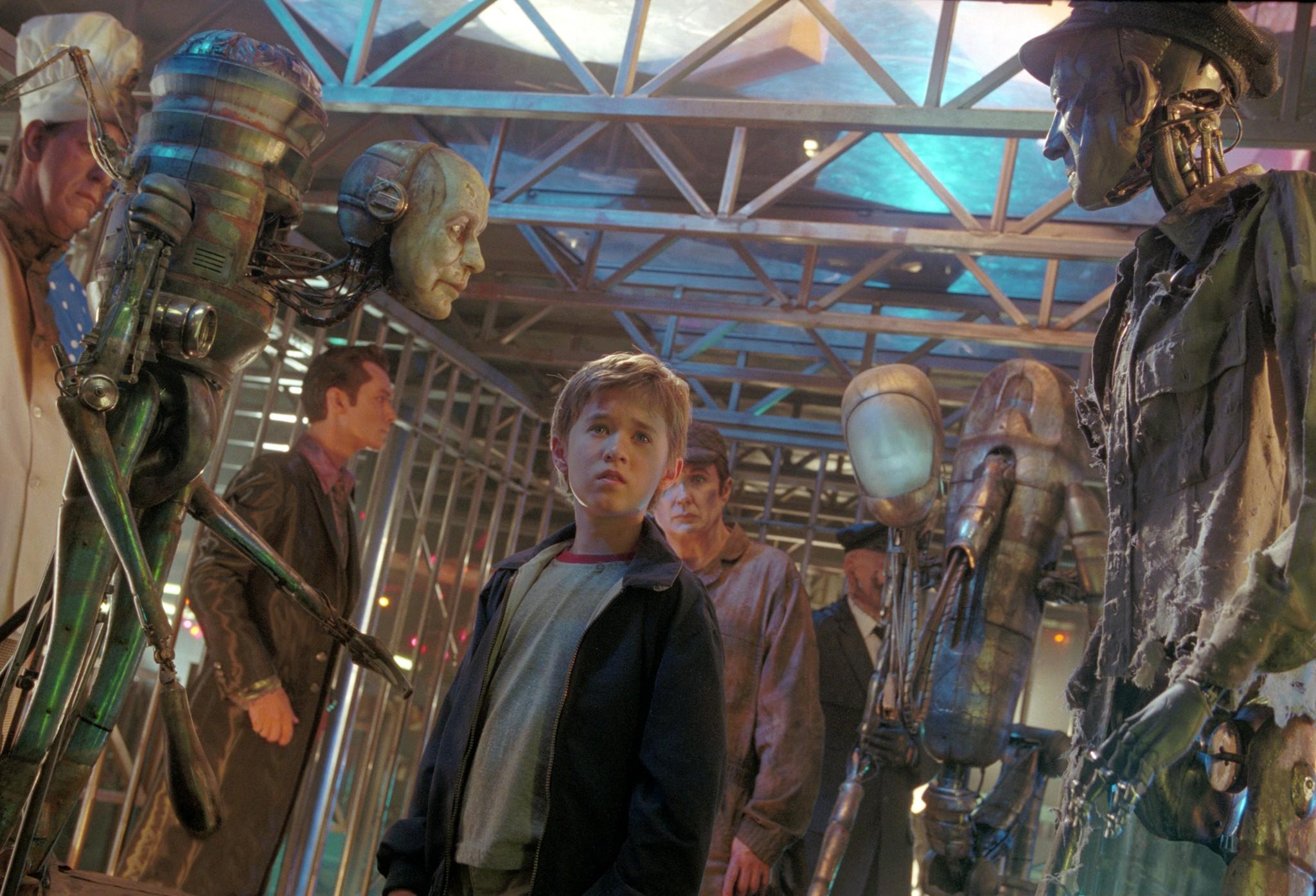 still-of-haley-joel-osment-in-a.i.-artificial-intelligence-(2001)-large-picture